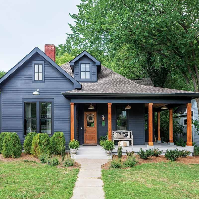 We Love The Bold Vibes We Re Getting From This Dark Exterior Thoughts Thecottagejournal Exteriord House Exterior House Paint Exterior Exterior House Colors
