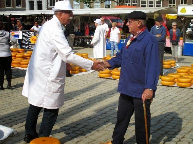 Traditional cheese trading in Gouda - Waterway Wanderer: Netherlands waterway cruise - Alphen aan der Rijn to Gouda