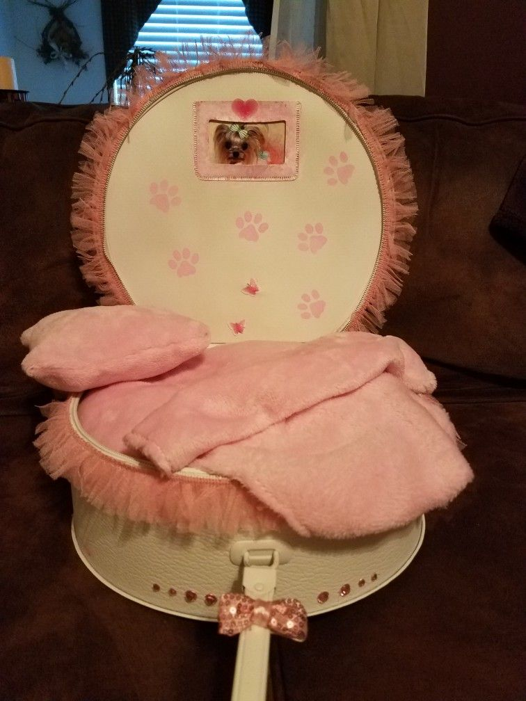 Tiny DOG BED for tea cups... $35