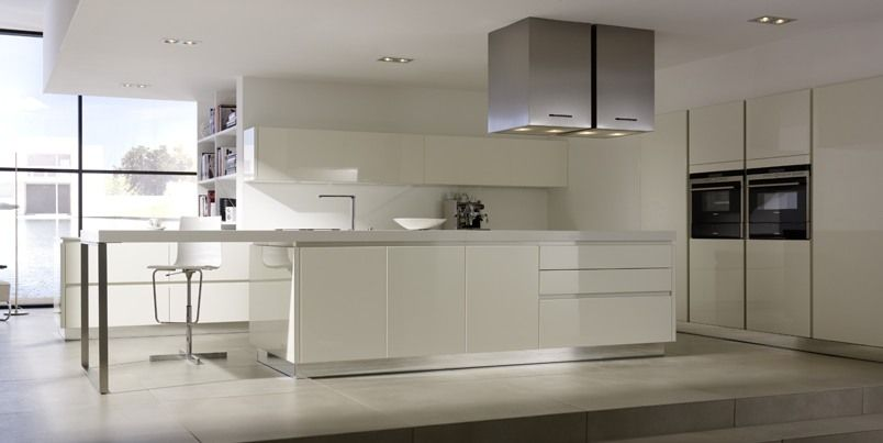 All white kam design german handle less kitchen in white for White gloss tall kitchen units