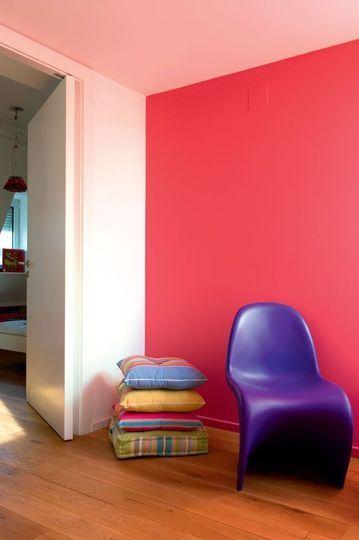 Esprit pop pour un appartu0027 coloré Father - peinture chambre gris et bleu