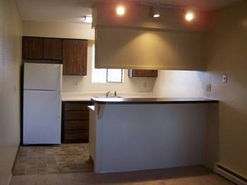 Google Image Result for http://www.rentaladdress.com/properties/1631/property_photos/19145/S_500_WIDTH_2_bed_breakfast_bar.jpg