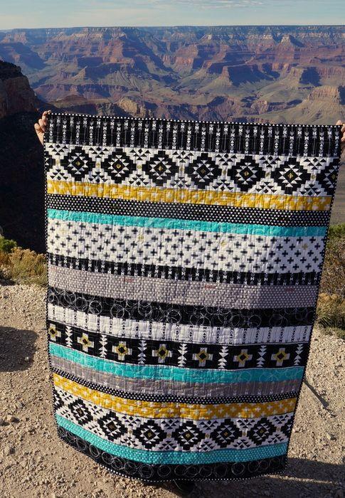 Four Corners Strip Quilt | Colchas, Bolsas pequeñas y Costura