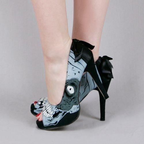 #ironfist ; Ces chaussures, elles sont zombiesques !