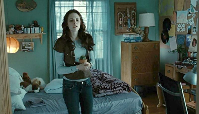 Twilight Bella Swan S House Is For Sale In Oregon Hooked On Houses Movie Bedroom Twilight Outfits Twilight