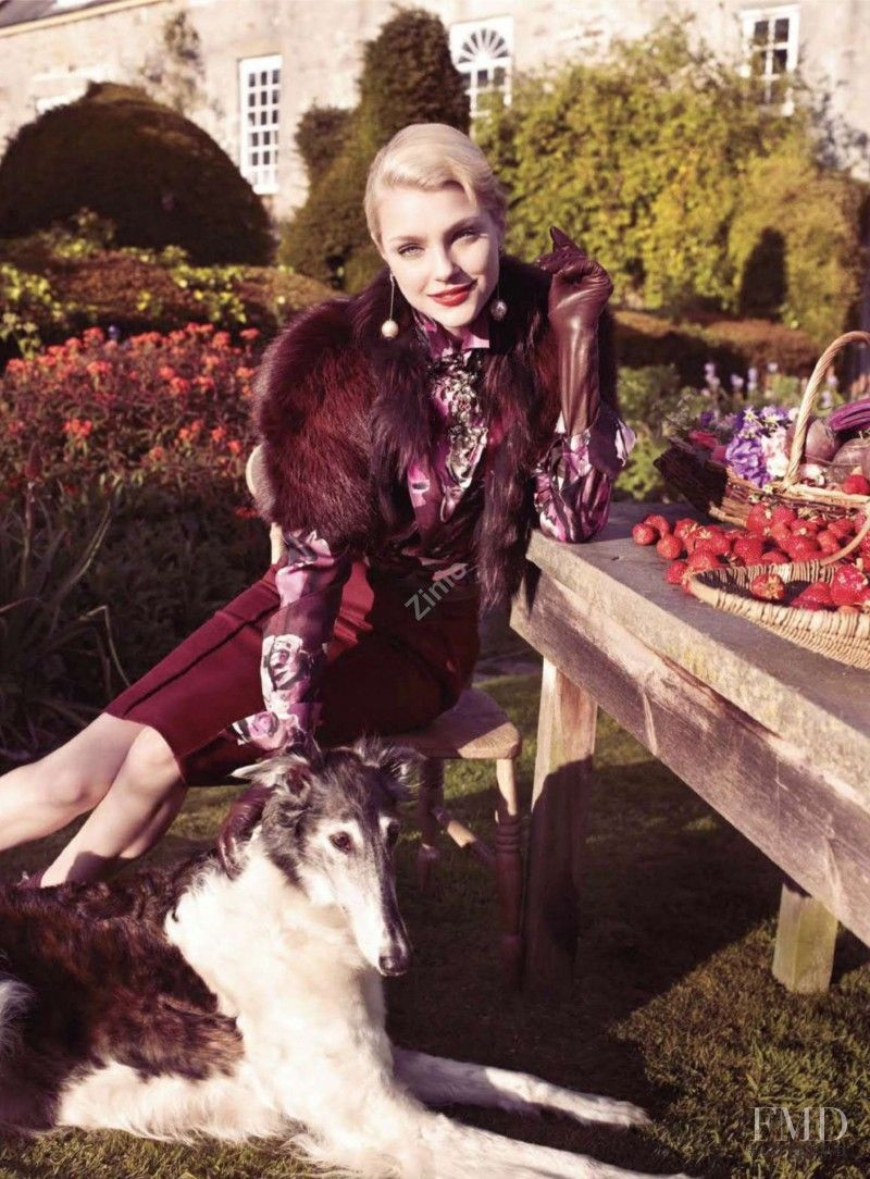 Jessica Stam featured in New Pieces You\'ll Love For Ever, September 2009