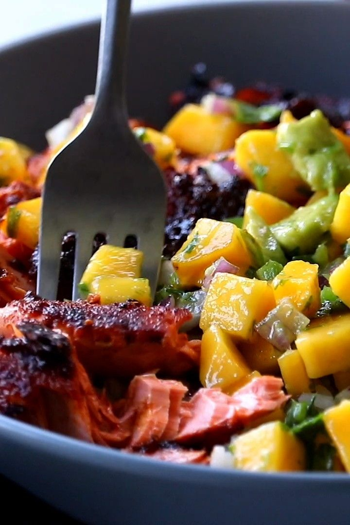 Salmon Bowls with Mango Avocado Salsa! An easy and impressive dinner with yummy smoky-sweet flavor