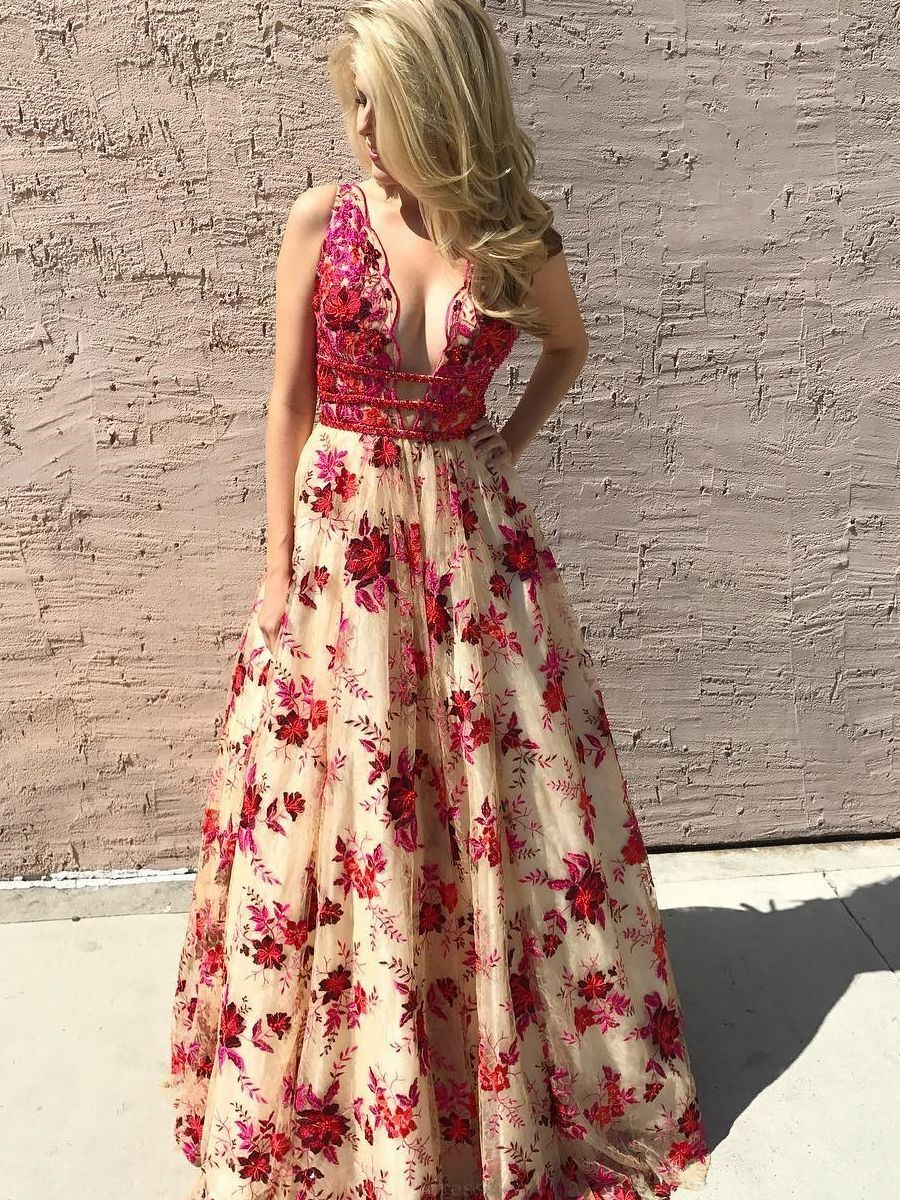 Discount trendy long prom dresses luxurious floral embroidery long