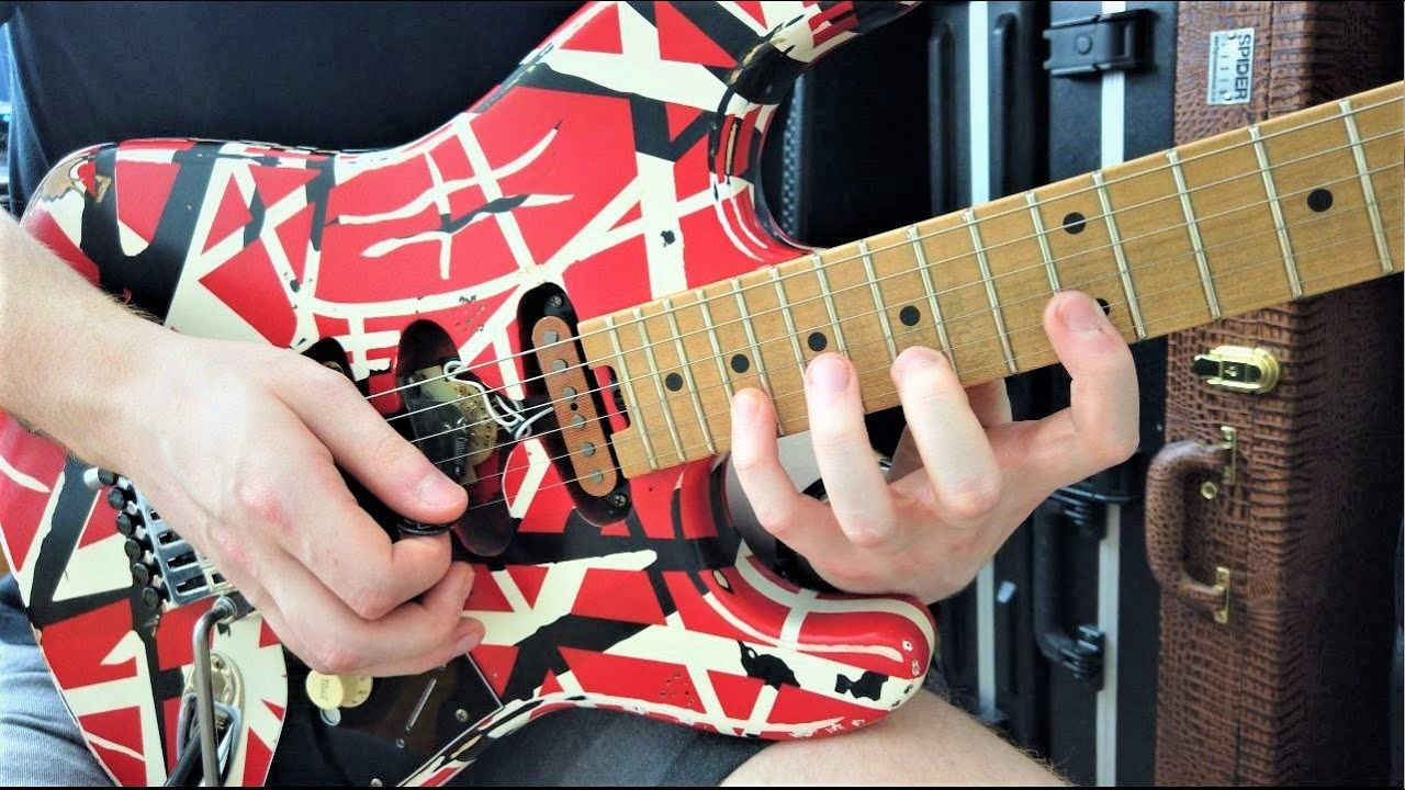 How To Play The Stretchy Van Halen Lick Beat It Guitar Solo Evh Striped Series Frankie Youtube In 2020 Guitar Solo Van Halen Guitar