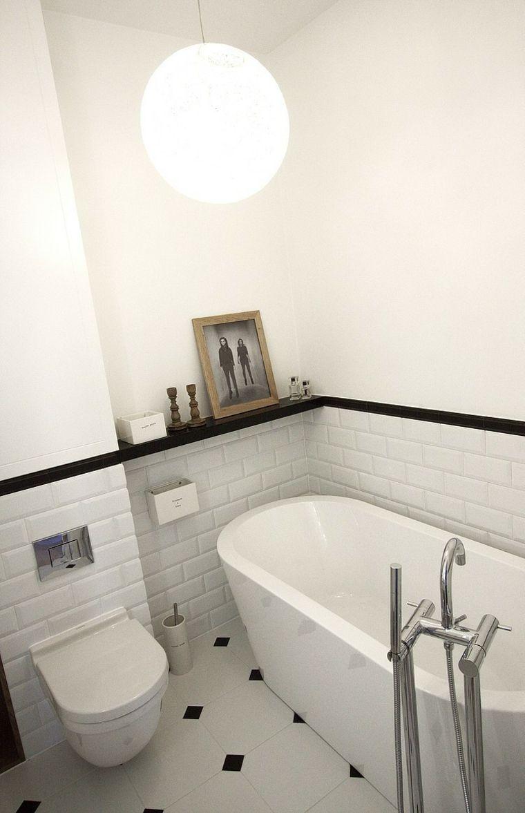 Badezimmer design weiß bäder in schwarzweißideen und tipps welchen stil zu wählen