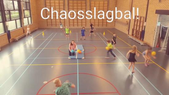 Chaosslagbal In De Gymles Groepspellen De Spelles Lichamelijke Opvoeding Spelletjes Lichamelijke Opvoeding Gymnastiekles