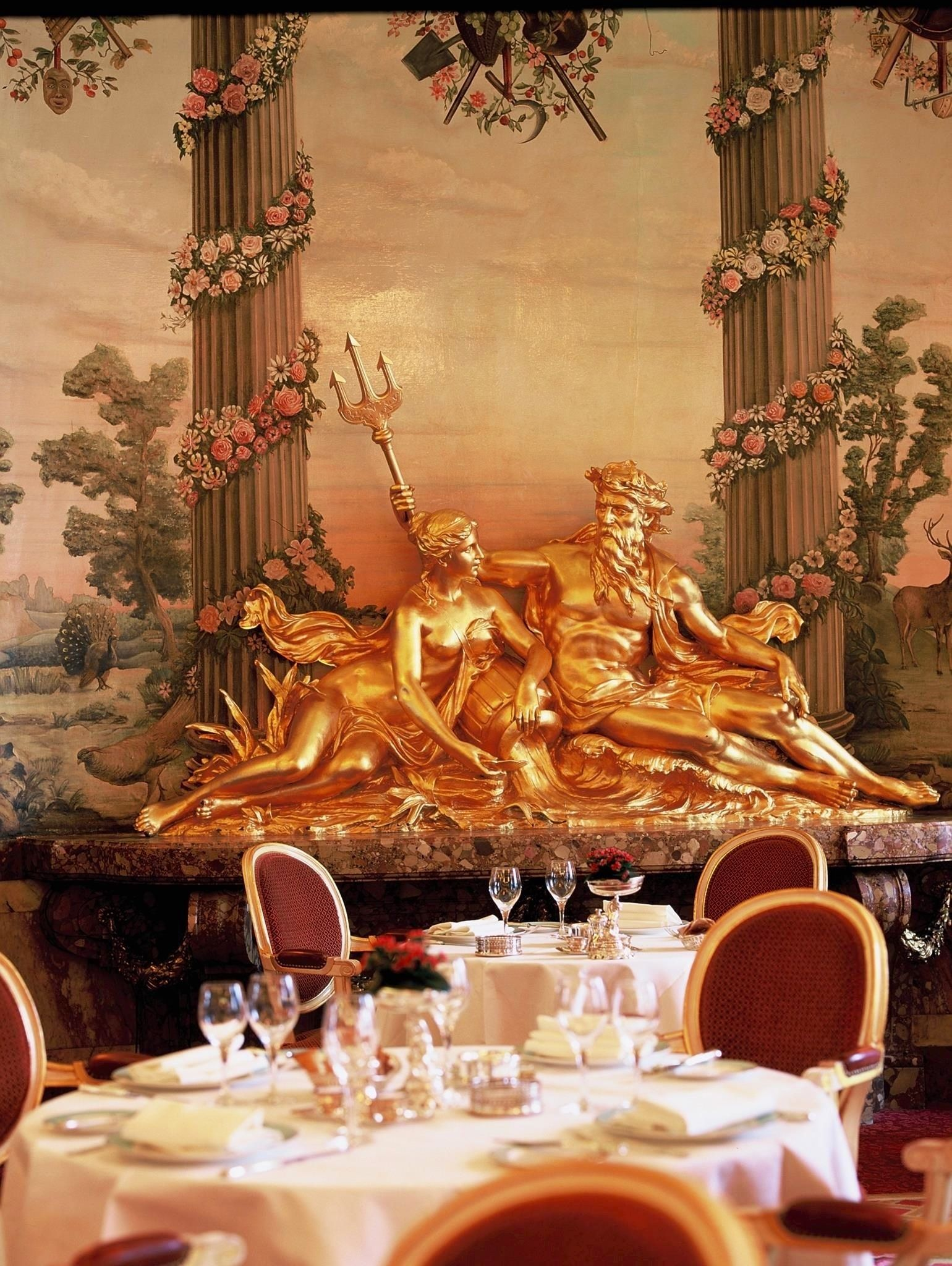 described as the most beautiful dining room in the world the ritz