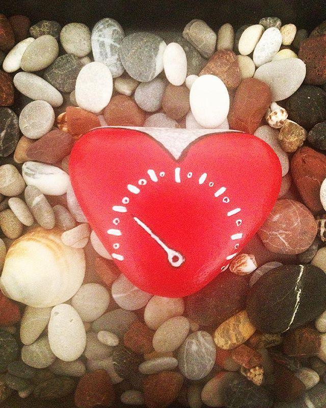 Bir kalbiniz vardı onu da hatırlayın..#cahitzarifoğlu #stonepainting…