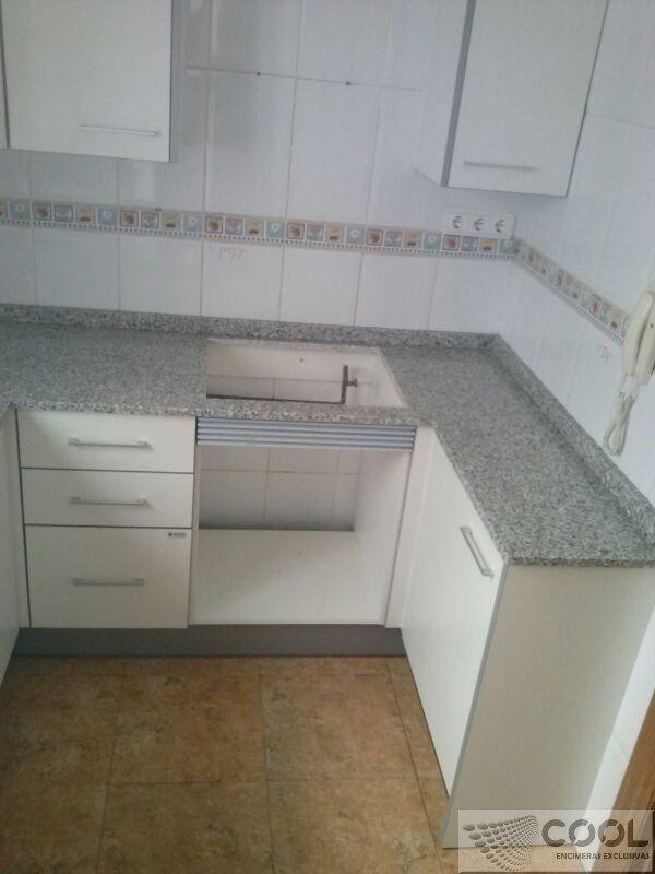 Montaje Encimera En Granito Nacional Gris Perla Cantos Normales 2 Cm Y Fregadero Sobre Encimera Flooring Tile Floor Kitchen