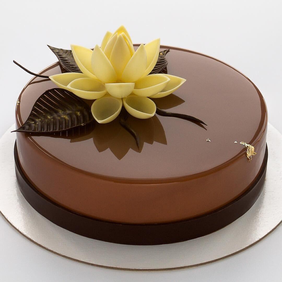 цветы из шоколада для торта фото вина, которая лежит