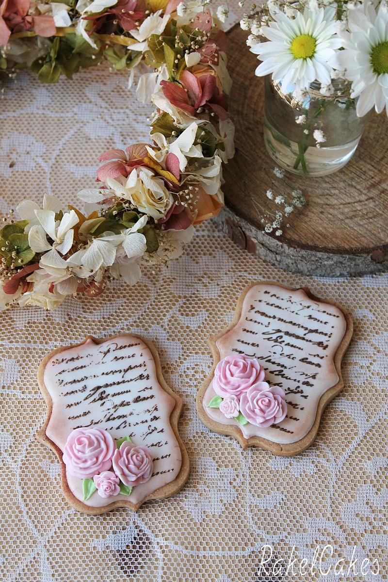 Galletas de boda románticas y estilo vintage, decoradas con glasa y rosas de pasta de goma. #galletas #boda #glasa #vintage