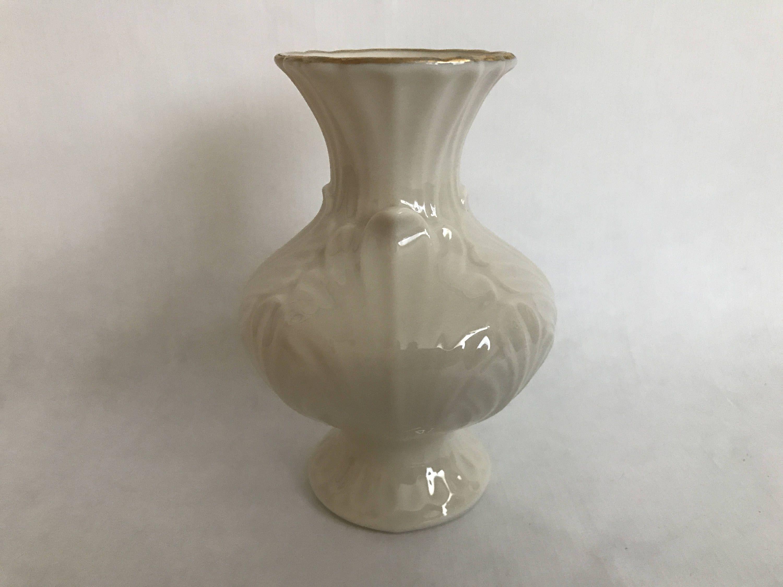 Lenox ivory with gold trim china vase pocelain china acanthus lenox ivory with gold trim china vase pocelain china acanthus leaf vase made in floridaeventfo Choice Image