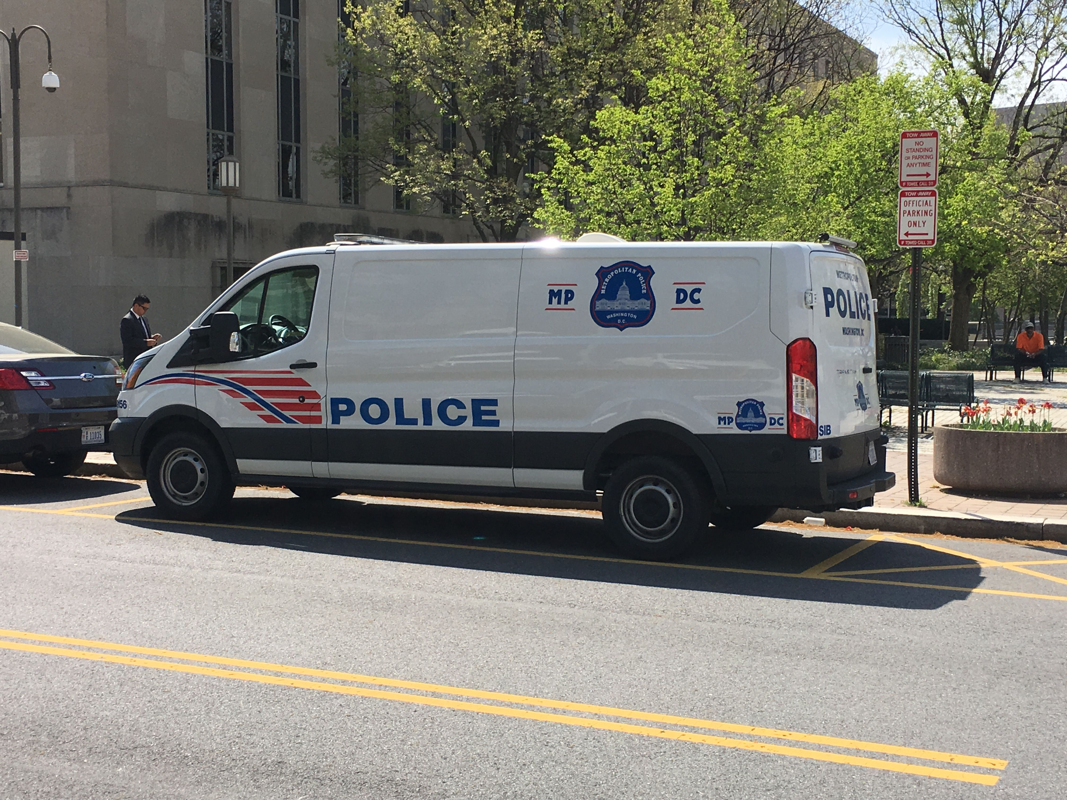 Metropolitan Police Department Ford Van Dc Police Police Cars Dc Police