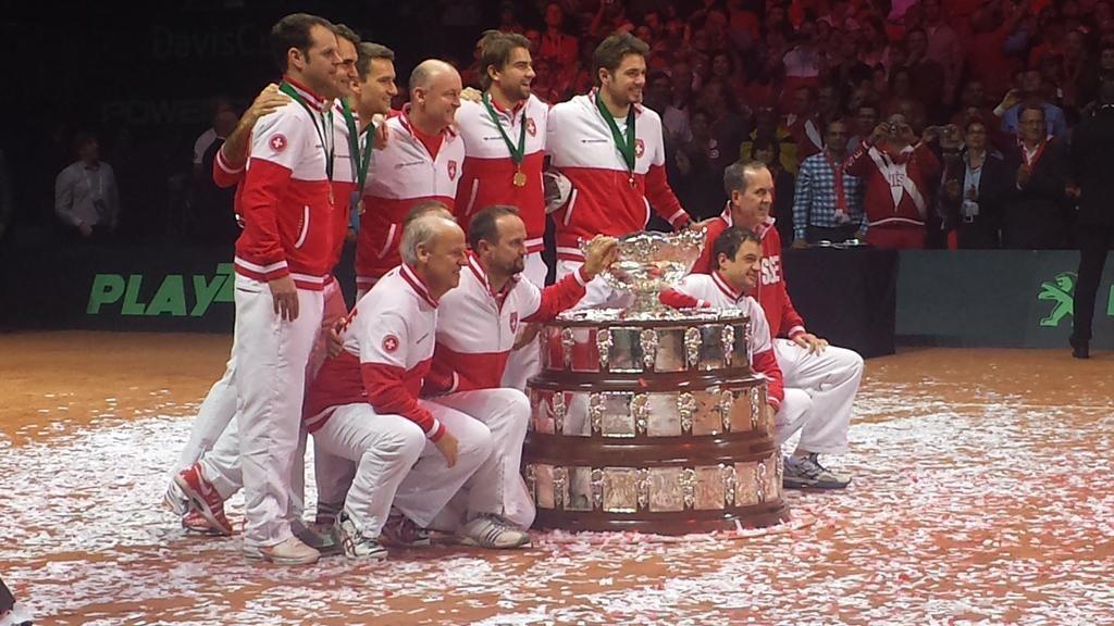 Coupe Davis 2014 L'équipe de Suisse soulève le Saladier d