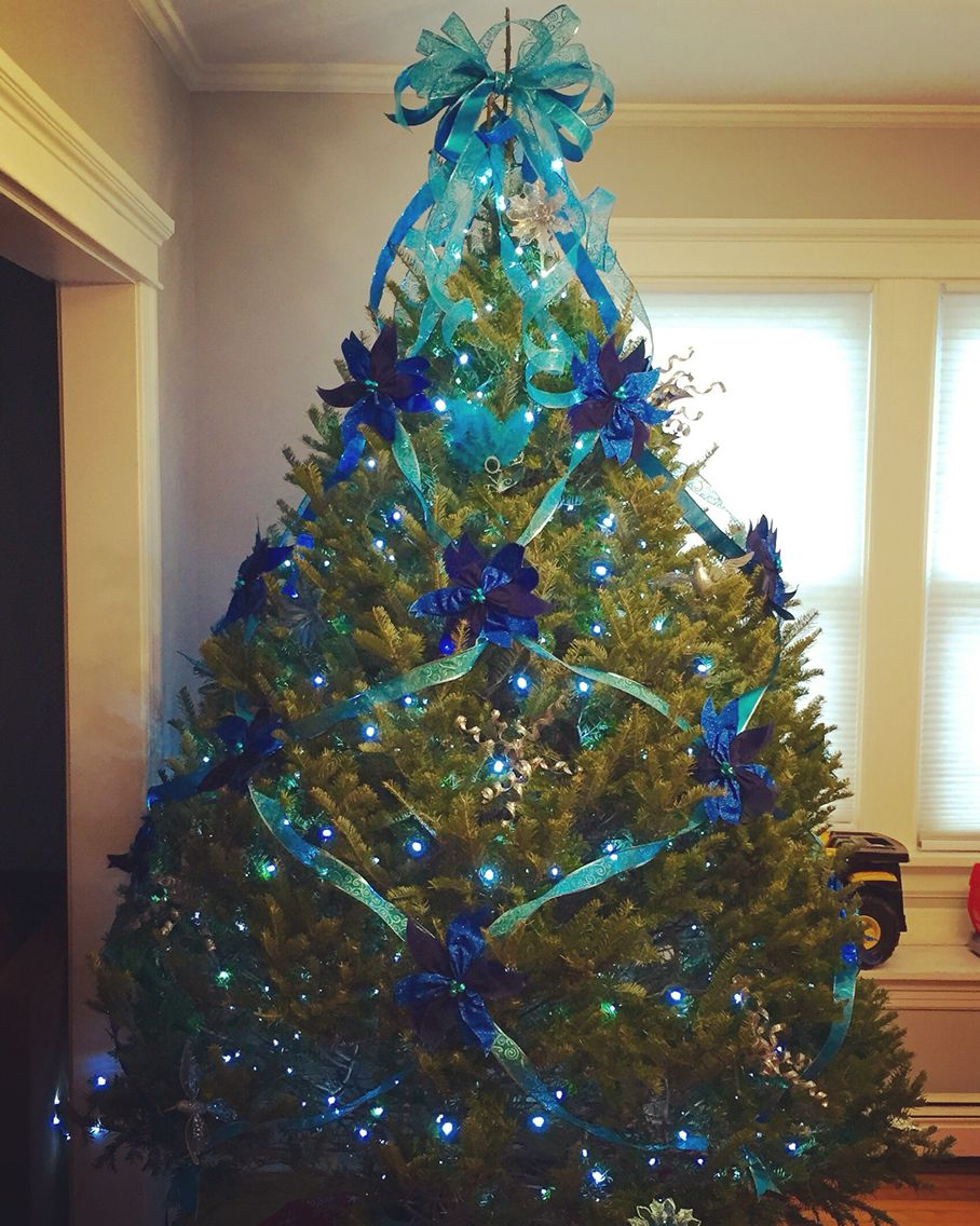 Criss cross ribbon tree | christmas | Christmas tree ...