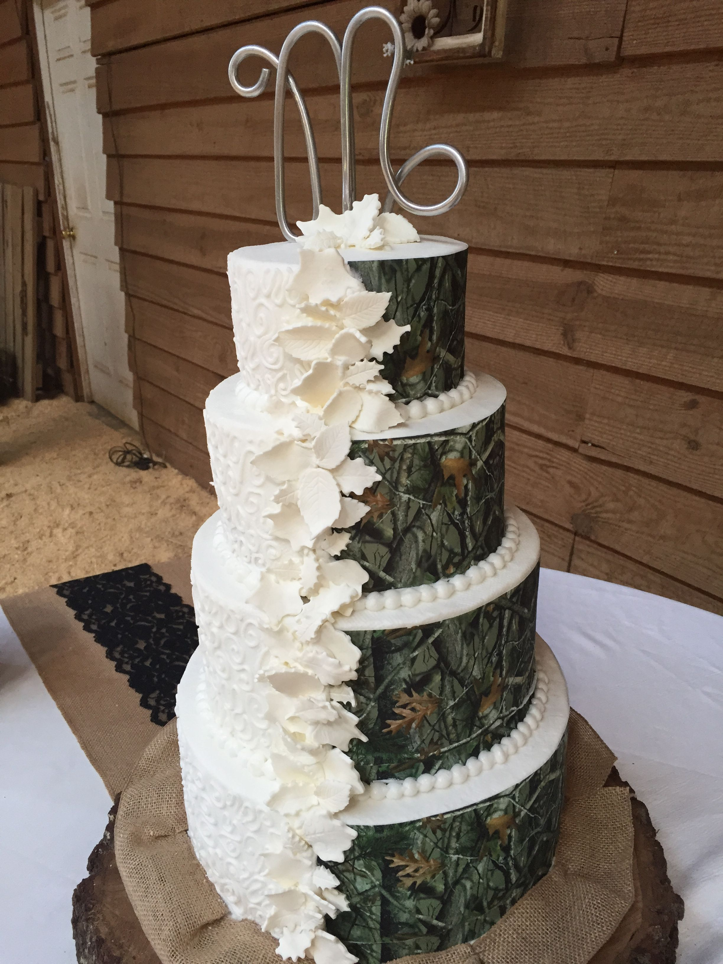 His And Hers Camo And Traditional Wedding Cake Country Wedding Cakes Camo Wedding Cakes Floral Wedding Cakes