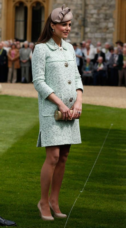 753aeec2e The Duchess of Cambridge clothes her baby bump in mint Mulberry for ...