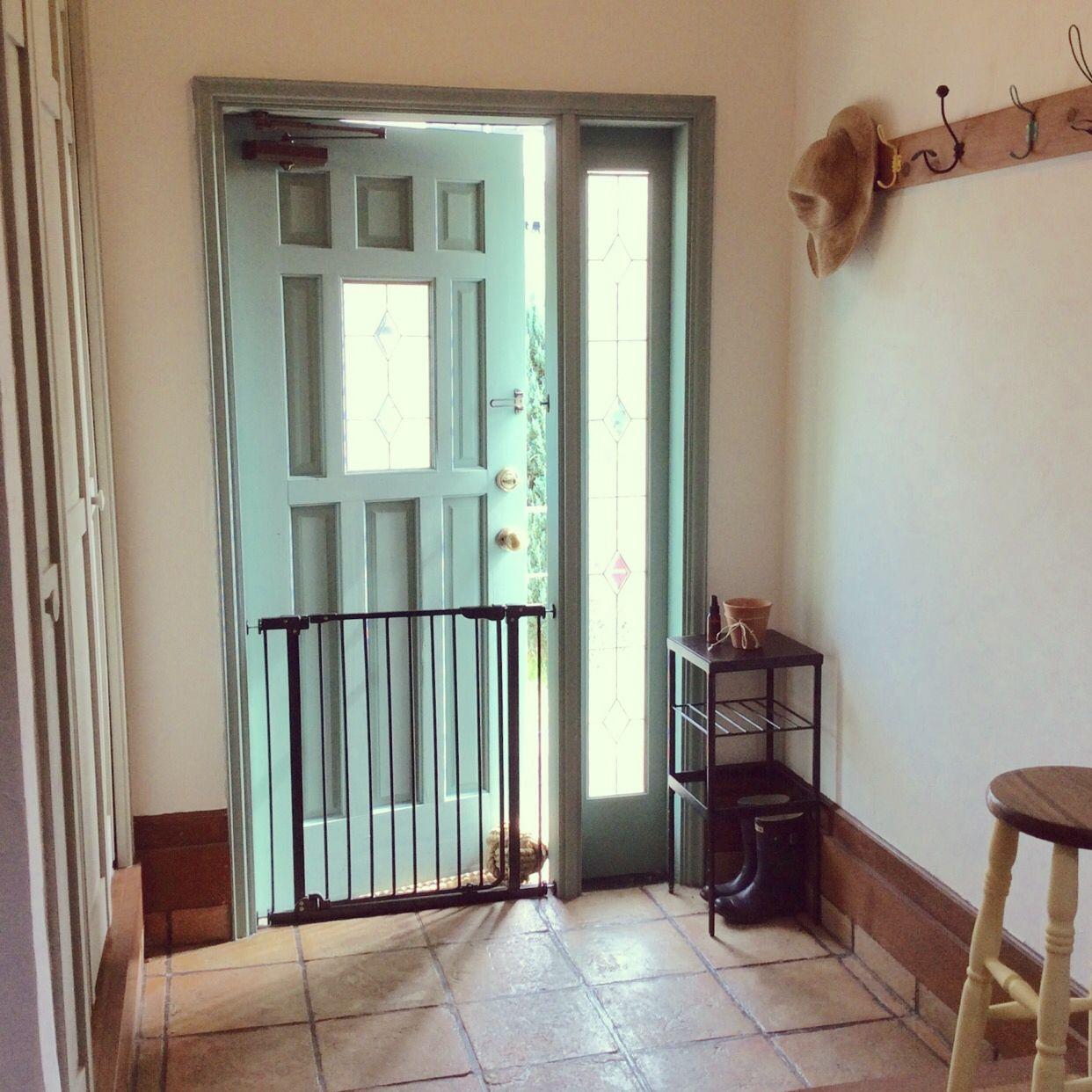 実例38選 玄関ドアをおしゃれに リフォームやdiy 塗装でひと味違うコーディネートへ 玄関ドア 住宅 玄関