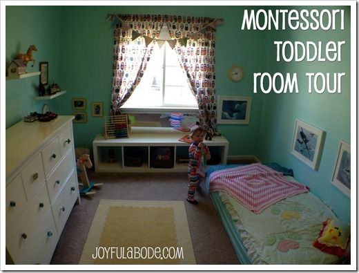 Best 25 toddler floor bed ideas on pinterest montessori - Bedroom with mattress on the floor ...