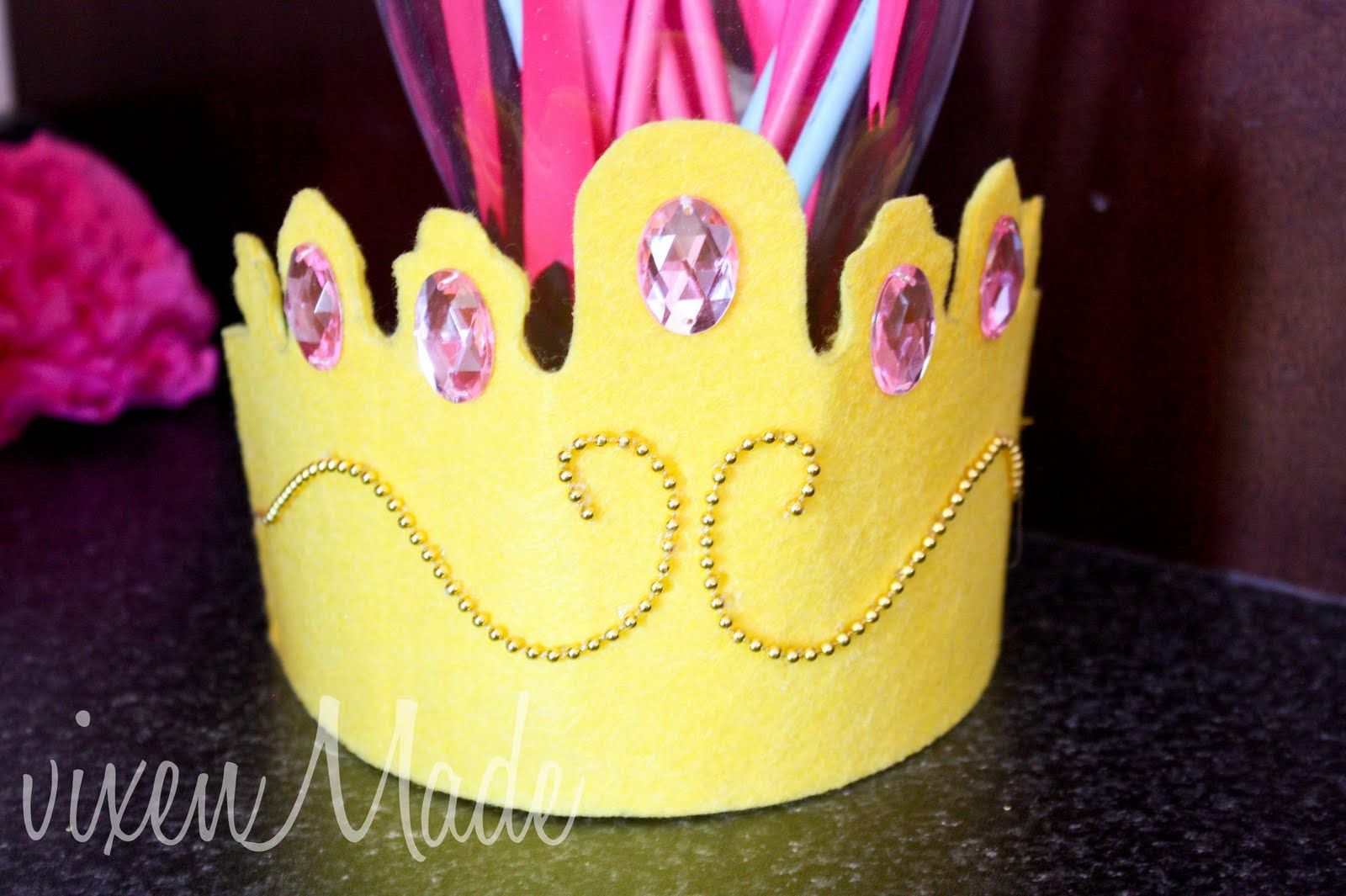 Pinkalicious Party Crown...can make in many colors and styles for depending on the what kind of princess your little girl wants to be that day! So cute!