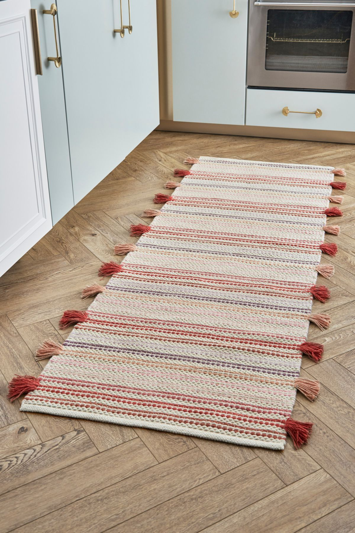 5 Gorgeous Next Rugs You Can Use To Update Your Living Room Right Now Next Rugs Rugs Traditional Design
