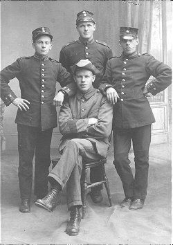 Uniformer m/1910 samt m/1886