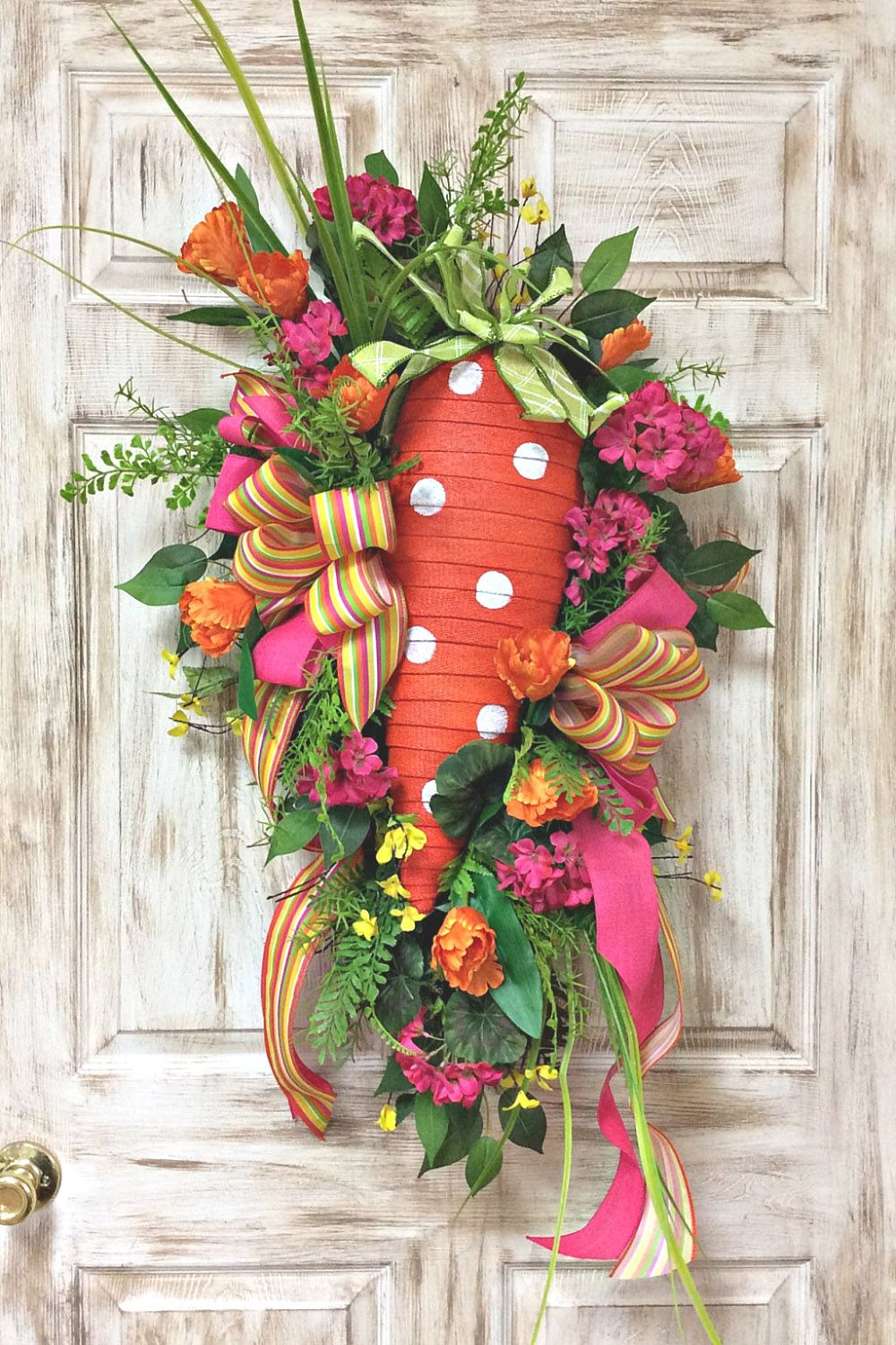 Photo of Spring Carrot Swag Wreath