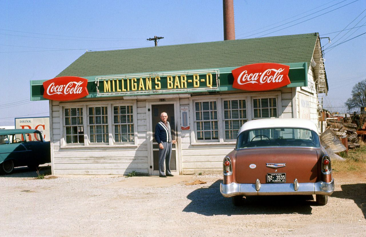 Milligan S Bar B Q Decatur Alabama April 1966 Decatur Old Gas Stations Old Country Stores