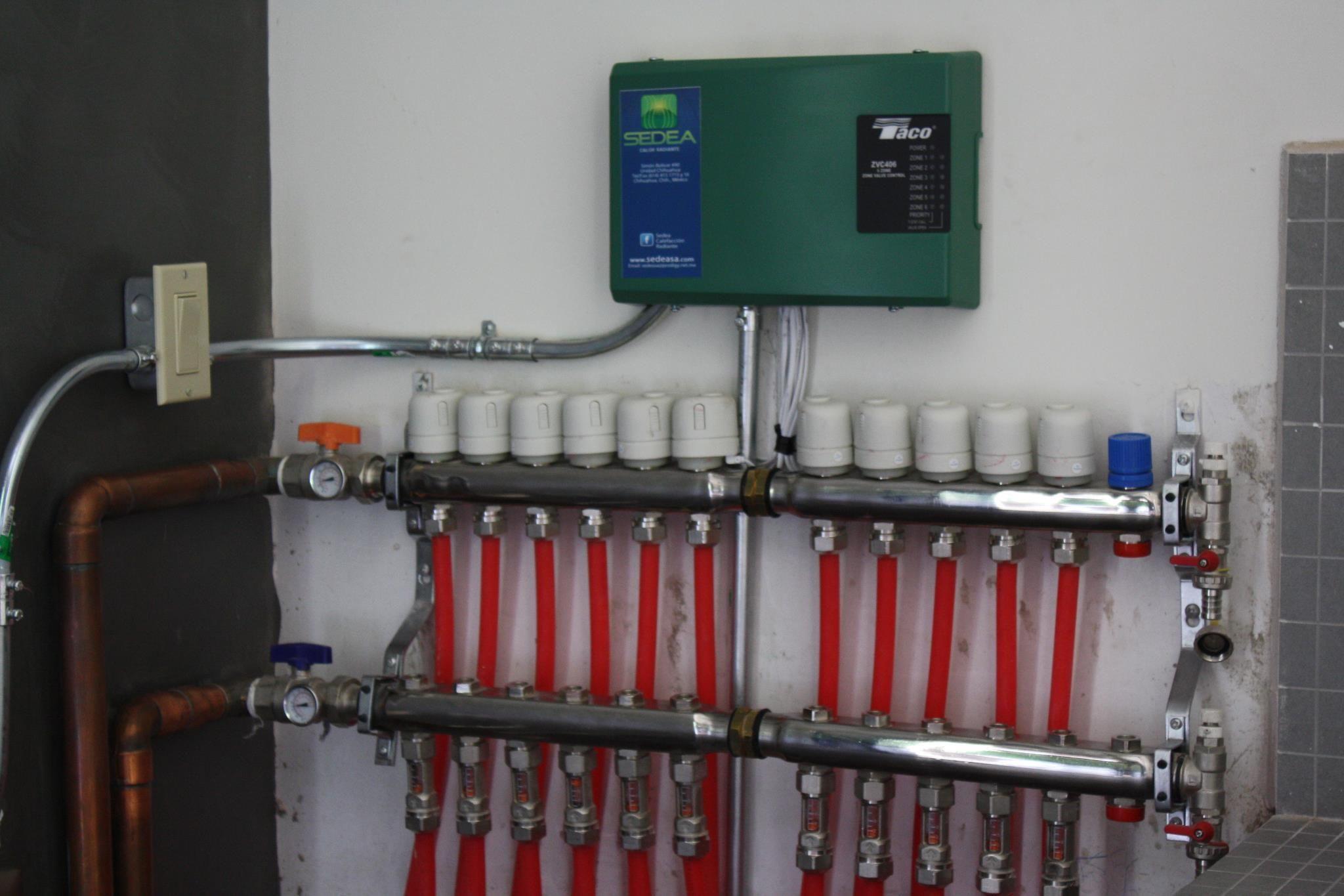 Manifolds y Taco zone control valves. Control valves