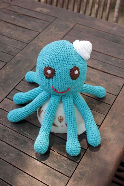 Octopus free crochet pattern by Canine Thespian