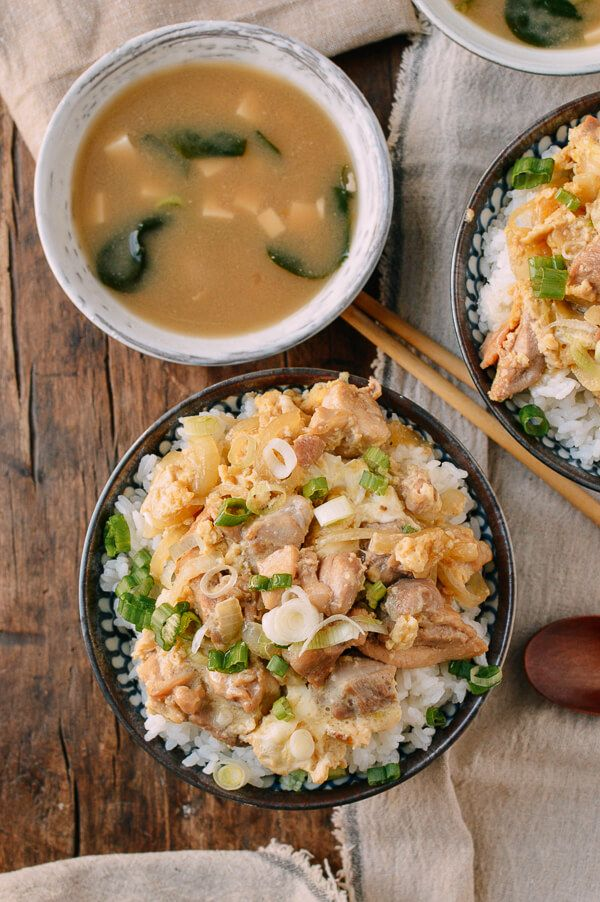 Oyakodon Japanese Chicken Egg Rice Bowls Recipe Japanese Chicken Japanese Diet Recipes
