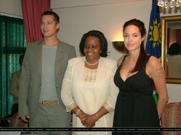 Thanking the Namibian people for generosity 2006