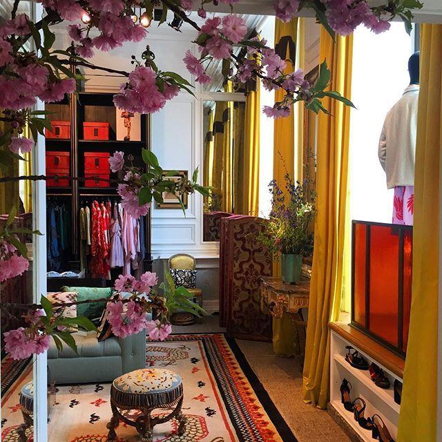a94215345aa2f3 At the Dries Van Noten shop 7 quai malaquais