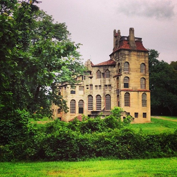 Fonthill Castle looking beautiful in late summer, as captured by @jns5_ on Instagram.