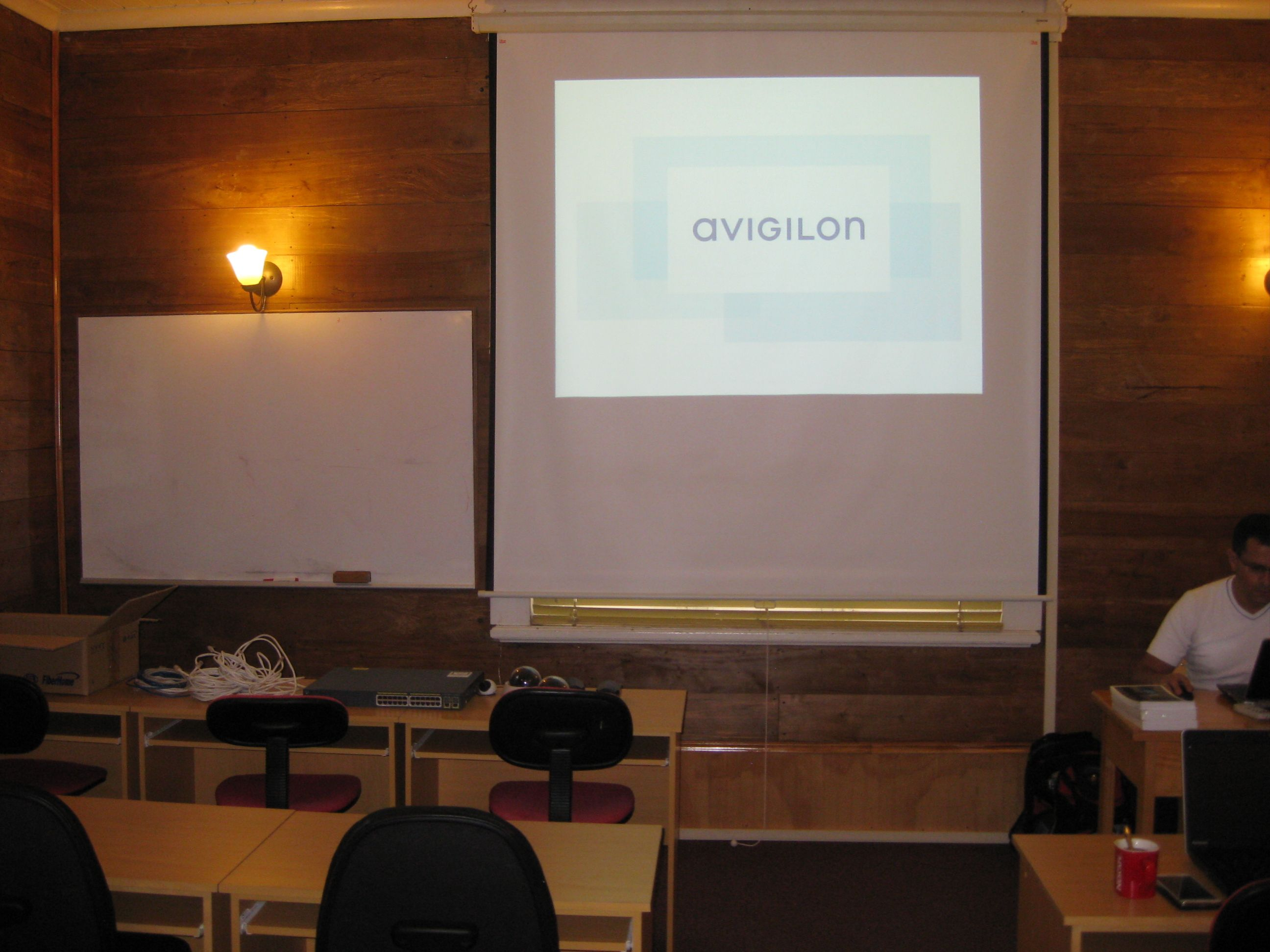 Avigilon Chile define el futuro de la industria e la seguridad a través de soluciones  integrales e innovadoras. Polytrade Chile