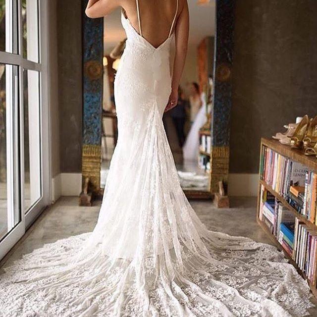 A Beautiful Bride Needs An Amazing Train And @noyabridal