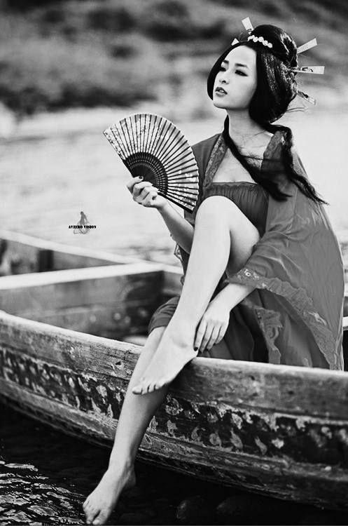~♛ Une soirée déguisée ? J'arrive en bateau !