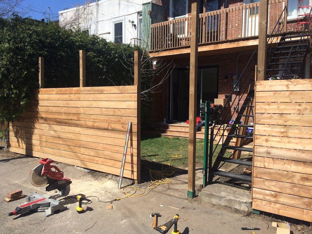 Fabriquer Terrasse En Bois Pas Cher comment on a construit notre clôture en bois horizontale