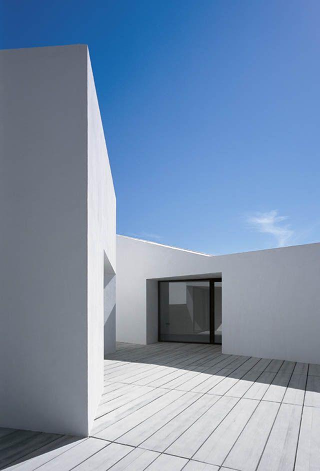 Ebro Delta House: by Carlos Ferrater