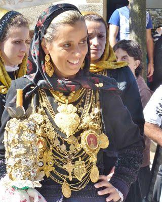 Olhar Viana do Castelo: Os rostos, os trajes e o ouro das Mordomas da Romaria D'Agonia