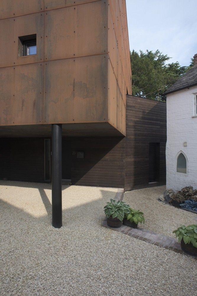 Ferrum House / Mark Merer + Landhouse