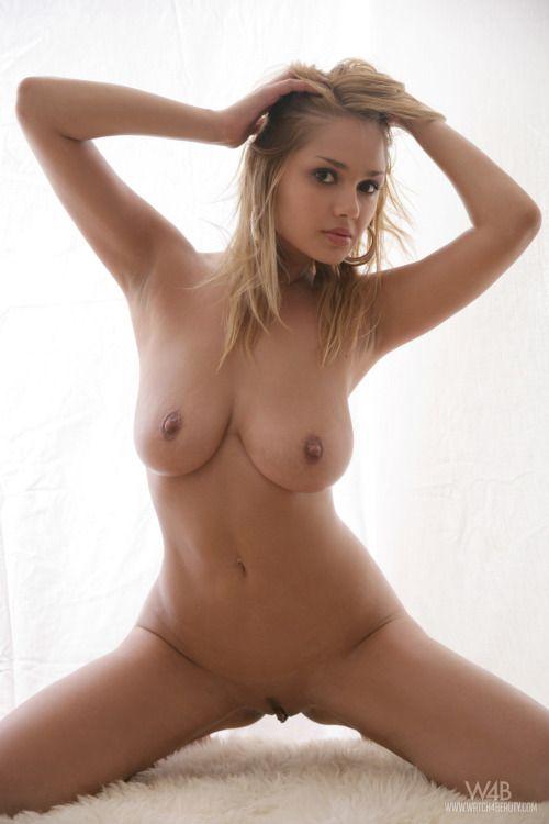 Nice handjob porn video online