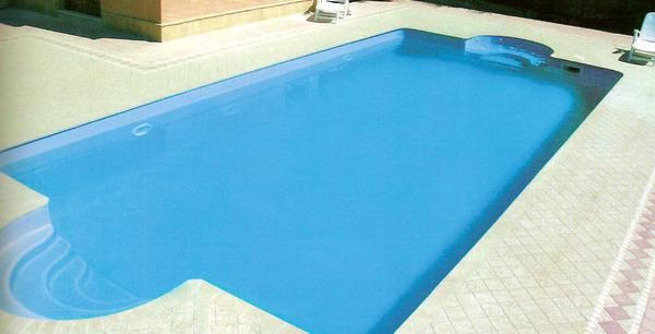 Piscina in vetroresina installata preso cliente privato a for Mirani piscine