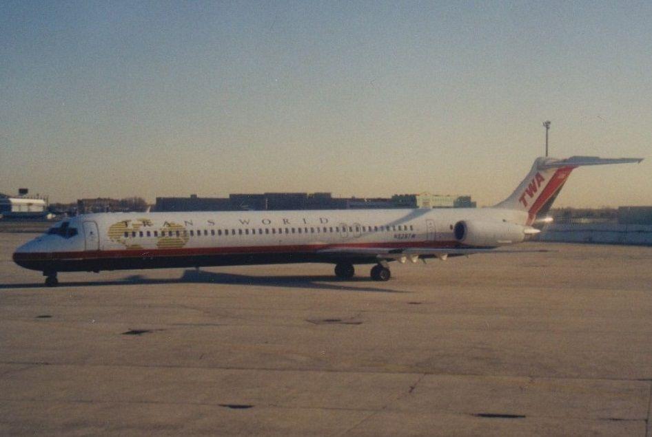 TWA MD-83