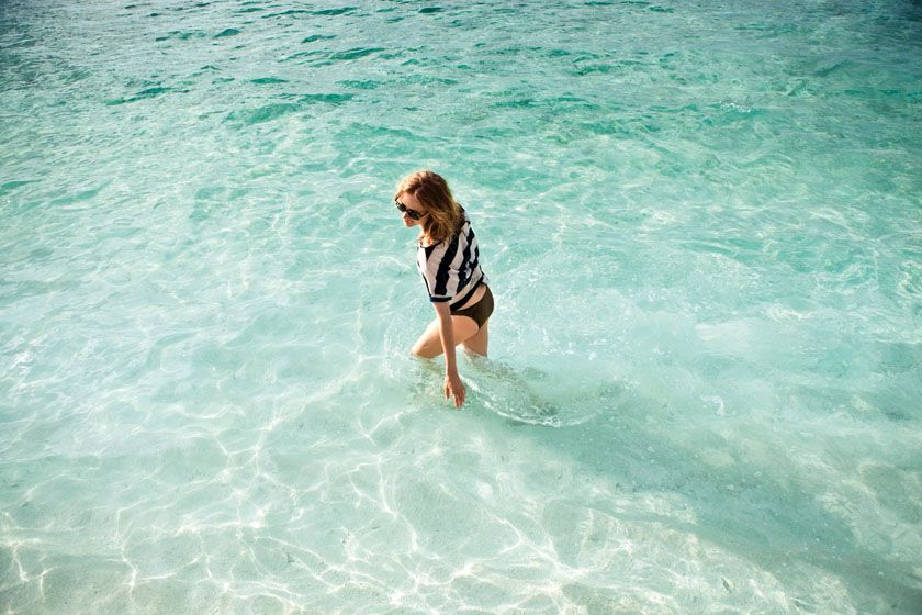 Do you dream this moment in crystal clear shallow lagoon at Maafushivaru Maldives Resort? See more at - http://maldivesholidayoffers.com/resorts/81/maafushivaru-maldives-resort
